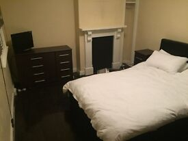 Double and single rooms to rent, York city centre. Only available for 4 weeks!!!!!!!