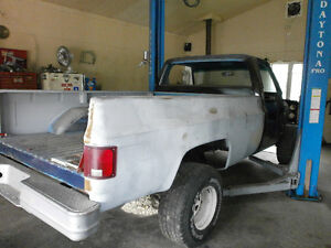 1981 GMC 4X4 PICKUP TRUCK with 8 Foot Box