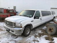 2004 Ford Excursion XLT 6.8L Sale **SALVAGE** Calgary Alberta Preview