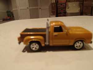 Loose Gold Metallic 1978  '78 DODGE Pickup by JOHNNY LIGHTNING
