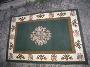 Small Area Rug, 4' X 5' in very good clean condition