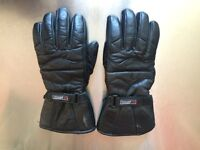 Insulated motorcycle gloves