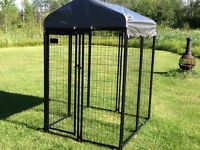 BRAND NEW DOG KENNEL WITH ROOF AVAILABLE FOR PURCHASE