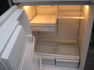 Refrigerator Fridge , made by General electric works Great , Cambridge Kitchener Area image 5
