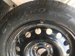 185/60R15 PIRELLI  ICE **9/32** AVEC RIMS 4X108 FORD