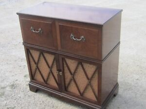 CIRCA 1930s GENERAL ELECTRIC RADIO PHONOGRAPH CABINET $40 MINTY