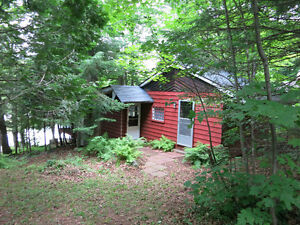 Waterfront Cottage 10 min North of Lachute