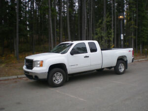 2007 GMC Sierra 2500 Pickup Truck