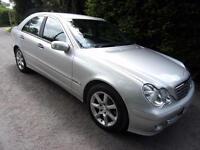 Mercedes-Benz C200 2.1TD Auto Classic SE 2005 PRESTON
