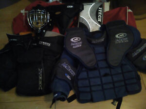 Selling Goalie hockey gear senior large all you see in the pict
