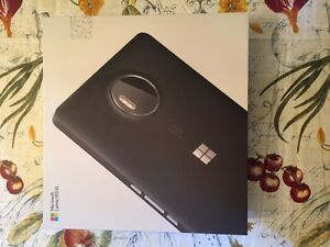 Selling Lumia 950 xl (Dual Sim) (Unlocked)