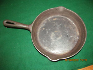 Cast Iron FINDLAY Frying Pan