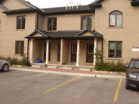 4 Bdrm Townhouse -1st Month FREE!!! - May 1st – Adelaide St N