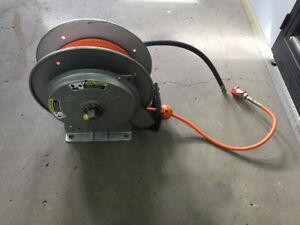 Enrouleur de tuyaux hydraulique automatique Hannay Reel
