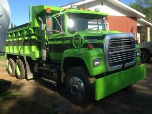 For sale 1995 Ford l9000