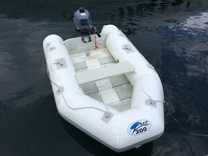 YAMAHA 2.5 Outboard with Inflatable Boat