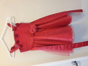 Girl dress size 5 -6.