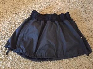 Lululemon running skirt (with built in shorts with grip) size 4