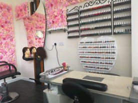 Nails & hairdresser place for rent