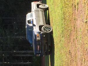 2015 GMC Sierra 1500 All terrain Pickup Truck