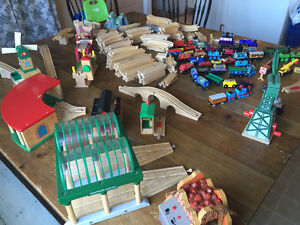 Thomas the Train Track, Trains, and Table