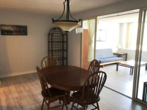 950+ SQ FT 1 BED+DEN (OR 2 BED) + 1.5 BATH + W / D IN UNIT