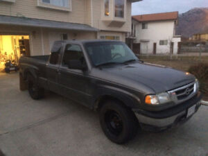 2008 Mazda B4000 5spd 4x4 - GREAT TRUCK WITH ONLY 107kms!