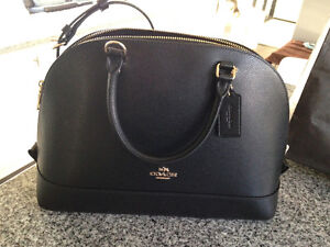 Brand New Coach Purse- LEATHER with detacbable shoulder strap Peterborough Peterborough Area image 1