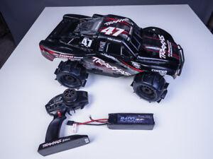 RC car Slash 4X4 Ultimate + Charger + Spare parts