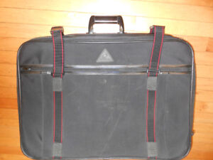 RENWICK BLACK 4 WHEELS LUGGAGE BAG
