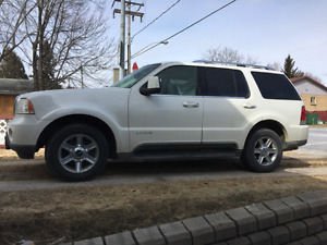 Camion Lincoln Aviator 4x4 automatique