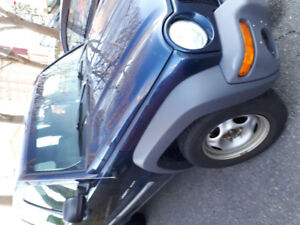 2004 jeep liberty  good shape