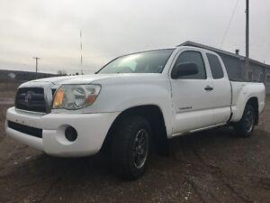 *2006 Toyota Tacoma SR5 Pickup Truck* --- $6800 OBO