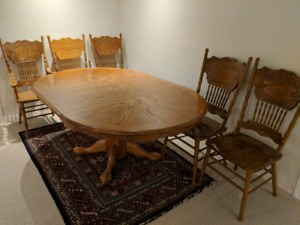 Dining Table and Chairs - Great Price!