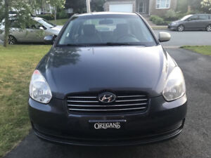 2010 Hyundai Accent Sedan....... PRIVET SALE .......