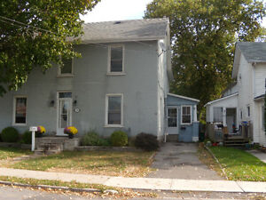 1/2 house for rent (Duplex)