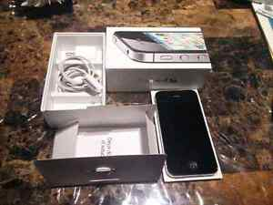 Iphone 4s 64g with box and accesories bell/virgin