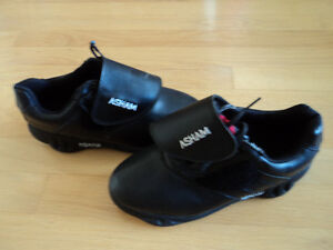 CURLING SHOES OLESON MENS SIZE 7 NEW