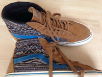 MENS VANS. CALIFORNIA COLLECTION... Excellent Condition ..size 8.5 paid £95 charms