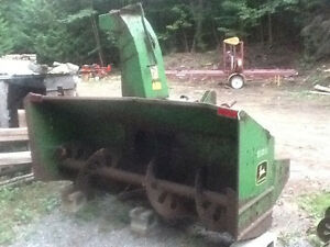 John Deere 686 3pt snowblower