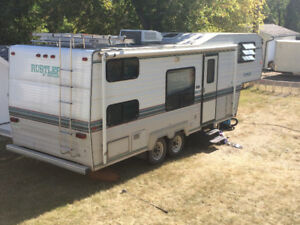 Beautiful 1996 Rustler RW255 5th wheel with bunks