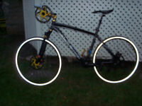 SPECIALIZED CITY ROAD BIKE, 27 SPEED, DISC BRAKES,