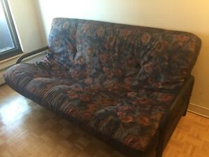 URGENT!!! SOFA-BED FOR SALE / FUTON À VENDRE