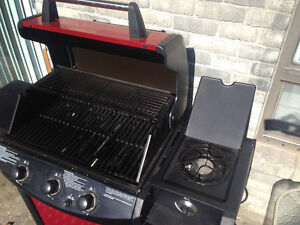 Uniflame 3-Burner 36,000 BTU Gas Grill with propane tank