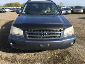 2002 TOYOTA HIGHLANDER $2900 NEEDS TRANSMISSION