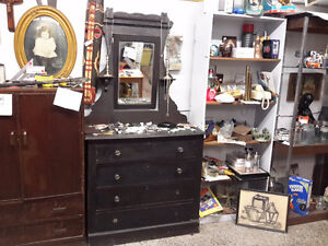ALLRIGHT  ONLY $60.00 ANTIQUE DRESSER  WITH MIRROR  $60.00