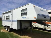 '97 PRISM 2000 22' FIFTH WHEEL TRAILER