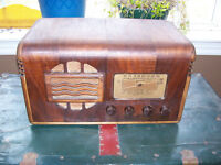 Antique Marconi Tube Radio At some point the electrical cord was