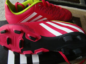 BNIB ADIDAS SOCCER SHOES SIZE 2 FOR GIRLS AGES 6 - 9 HOT PINK Regina Regina Area image 3