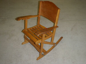 Chaise bercante pour enfants – vintage- child's rocking chair